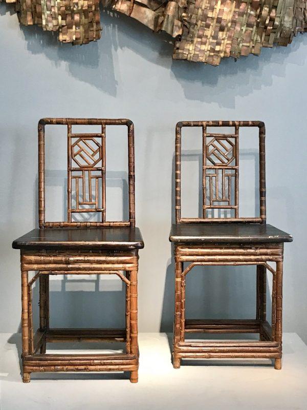 Quatre chaises bambou.