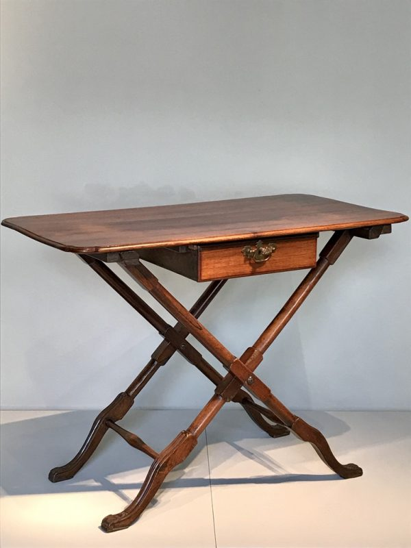 Table console .