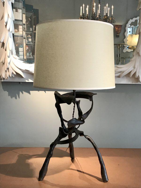 Lampe en fer forgé – vendue –